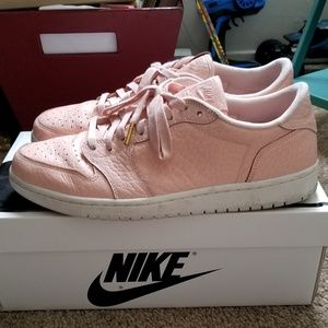 Air Jordan 1 Retro Low Arctic Orange